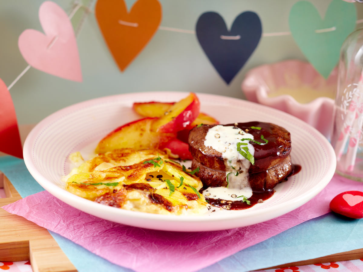 Dinner for two - das Menü zum Valentinstag - filetsteak-in-rotweinsosse