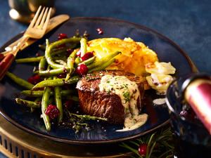 Filetsteak mit Blitz-Hollandaise