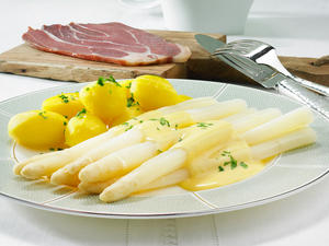 Spargel mit Schinken