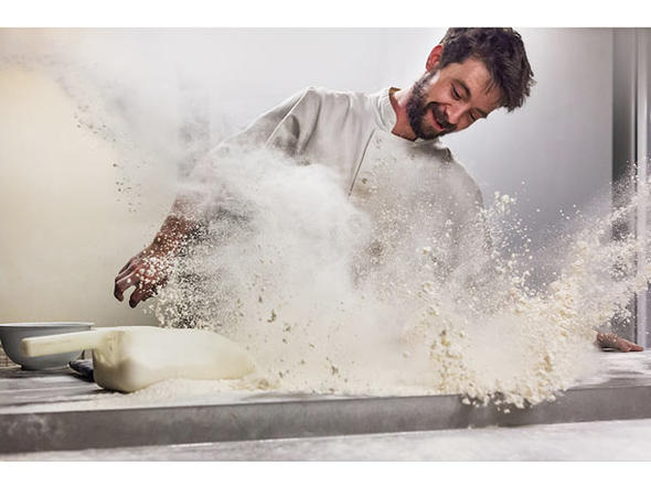 Mark Benham (UK) Flour Frenzy